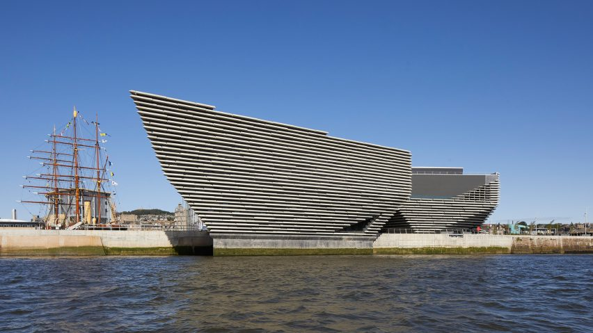 Image of V&A Dundee from the river